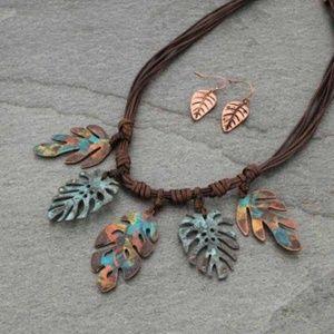 Western Style Leaf Necklace Set